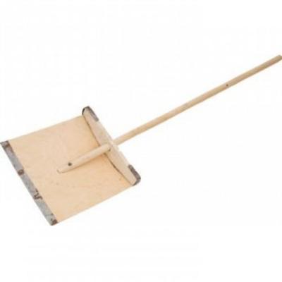 Лопата для уборки снега Павлово фанерная доска (38x38 см) с черенком