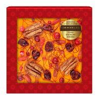Шоколад подарочный Chokodelika белый с украшением из пекана/апельсина и клюквы 75 г